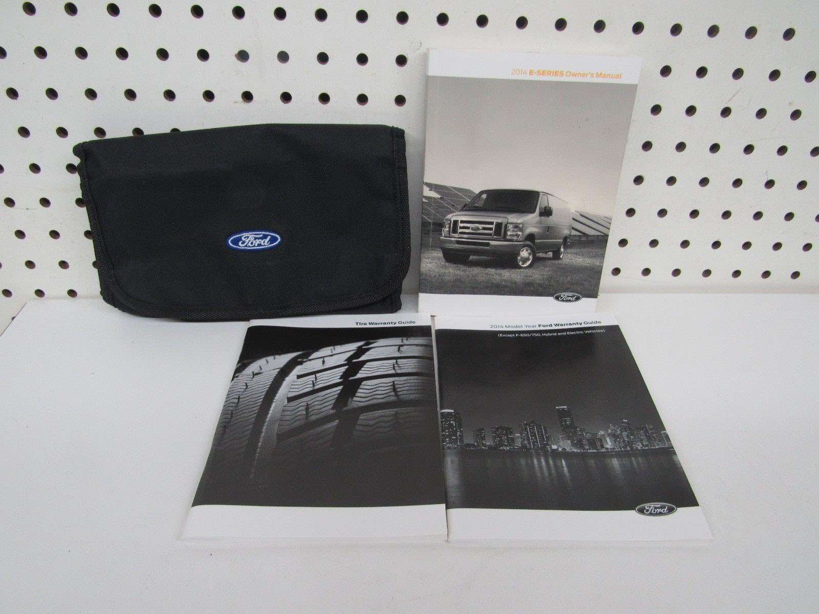 2014 Ford E-series E-150  E-250  E-350  U0026 E-450 Owner U0026 39 S Manual Set